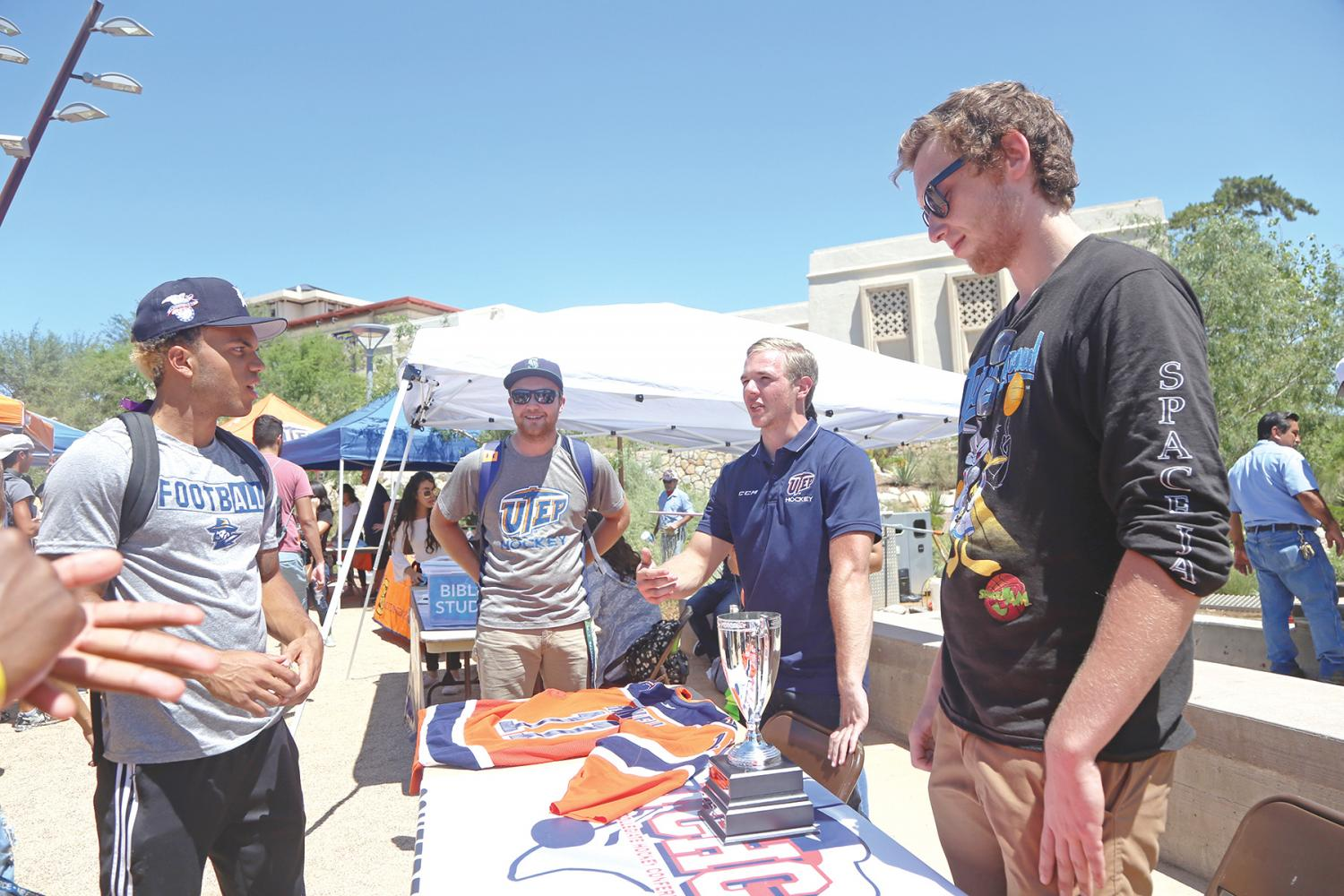 Students+got+to+talk+to+the+UTEP+Hockey+club+as+well+as+other+clubs+and+organizations.