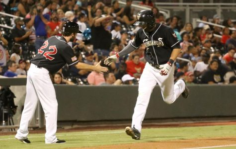 Chihuahuas beat Sacramento to clinch third straight division title
