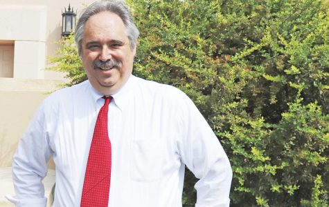 UTEP professor Eraldo Chiecchi will be inducted into the NAHJ Hall of Fame.
