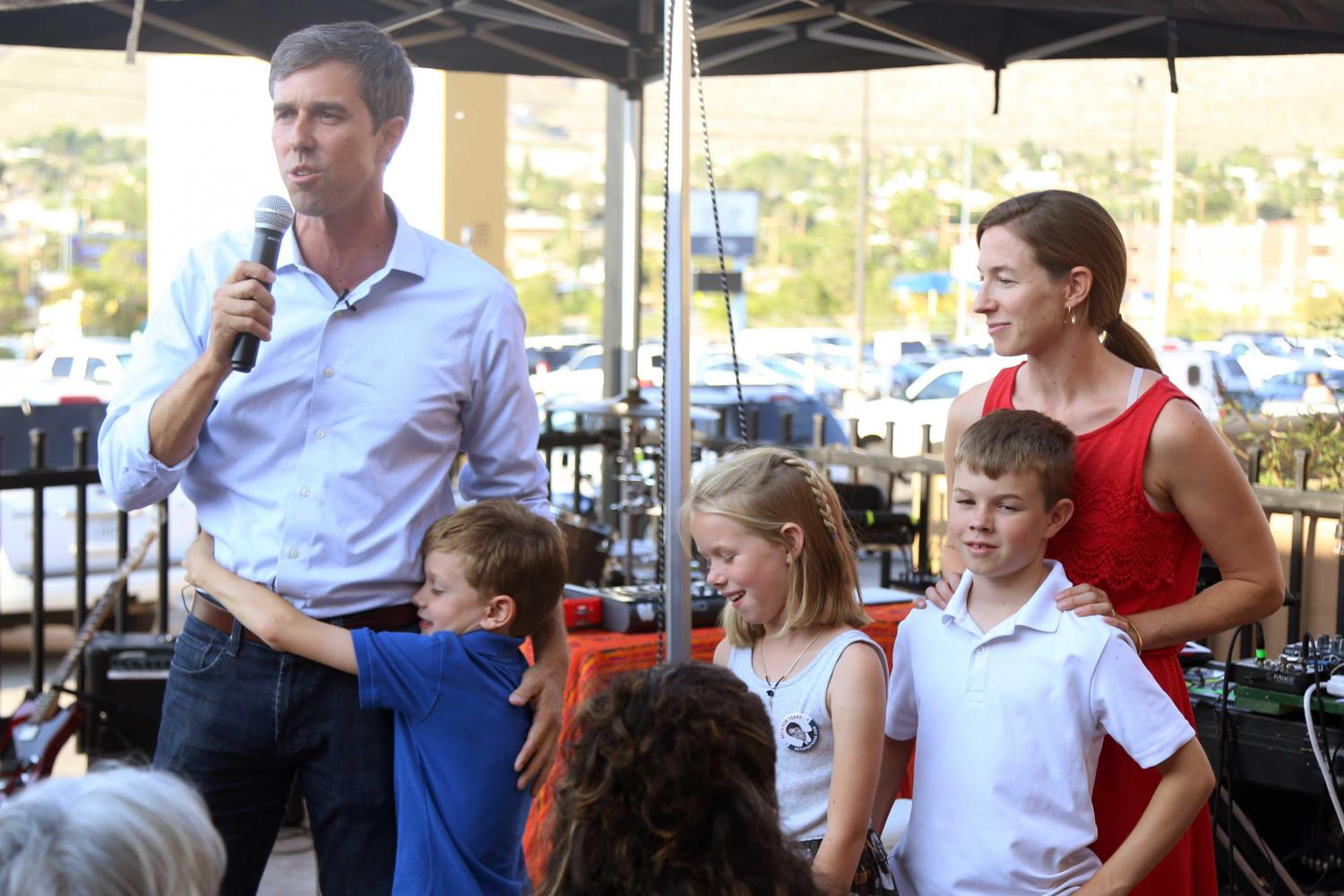 Congressman+O%27Rourke+speaks+on+SB+4+and+coming+home+as+he+hosts+Hurricane+Harvey+relief+event