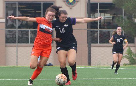 Women's soccer drops to 0-3