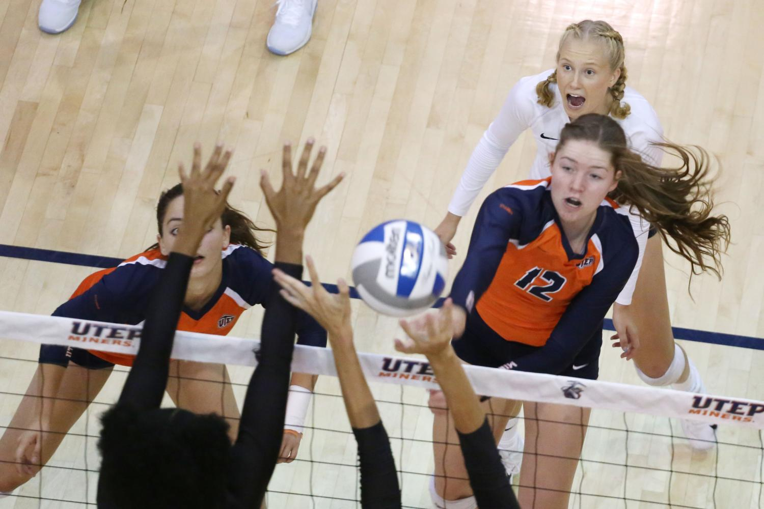Miners+drop+to+North+Dakota+3-0+in+Glory+Road+Invitational+finale.