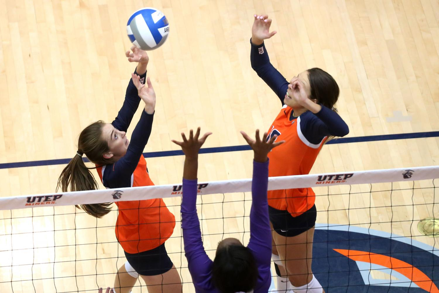 Miners+fall+to+Abilene+Christian+in+five+sets