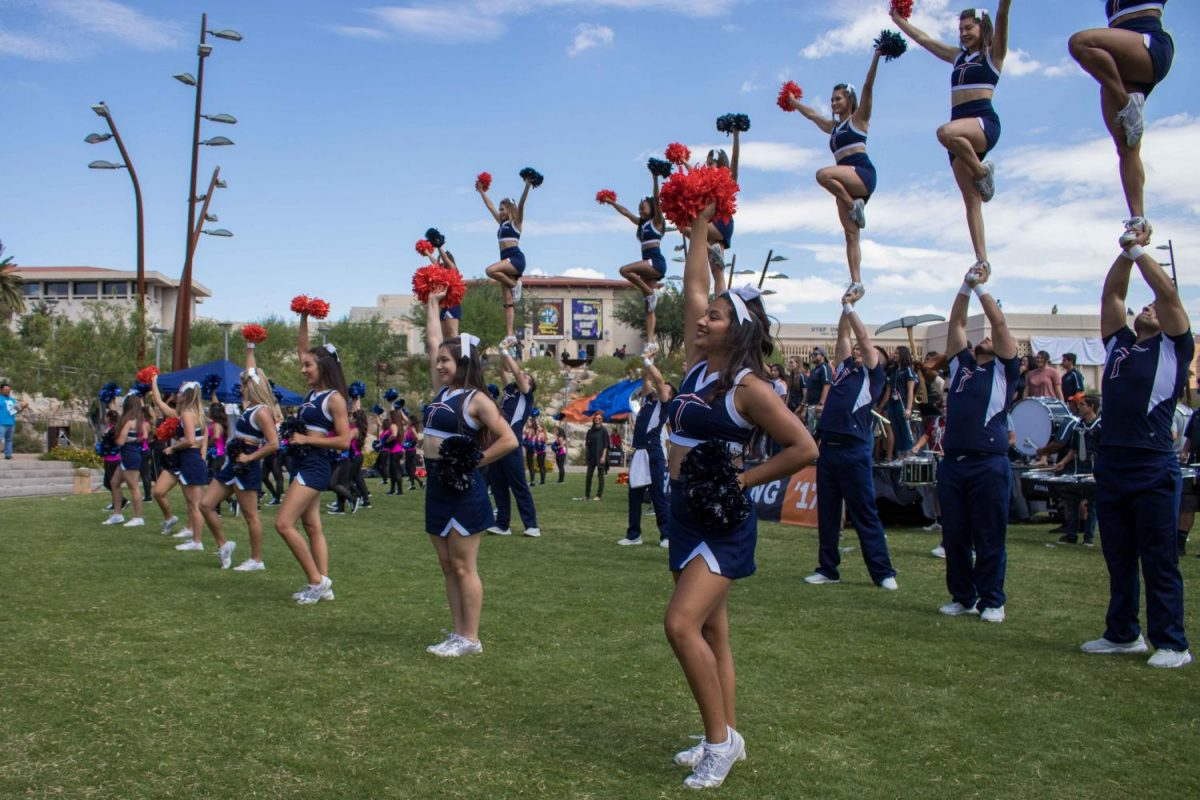 UTEP+cheerleaders+and+Gold+Digger+preformed+during+the+Homecoming+Pep+Rally+at+centennial+plaza.