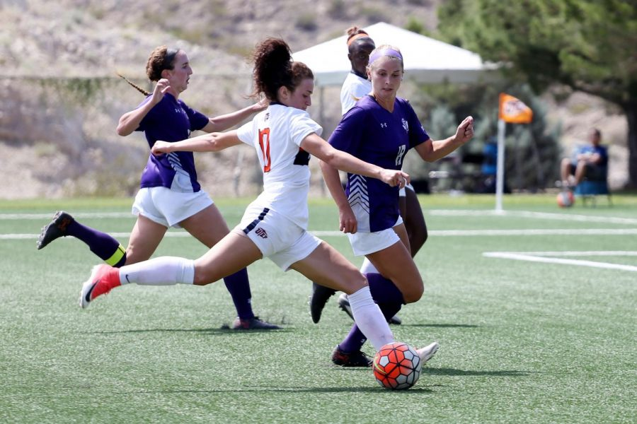 The+UTEP+women%E2%80%99s+soccer+team+finishes+the+2017+season+at+8-11+overall.