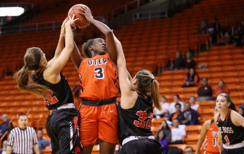Women's basketball routs Sul Ross State 99-40 in exhibition opener