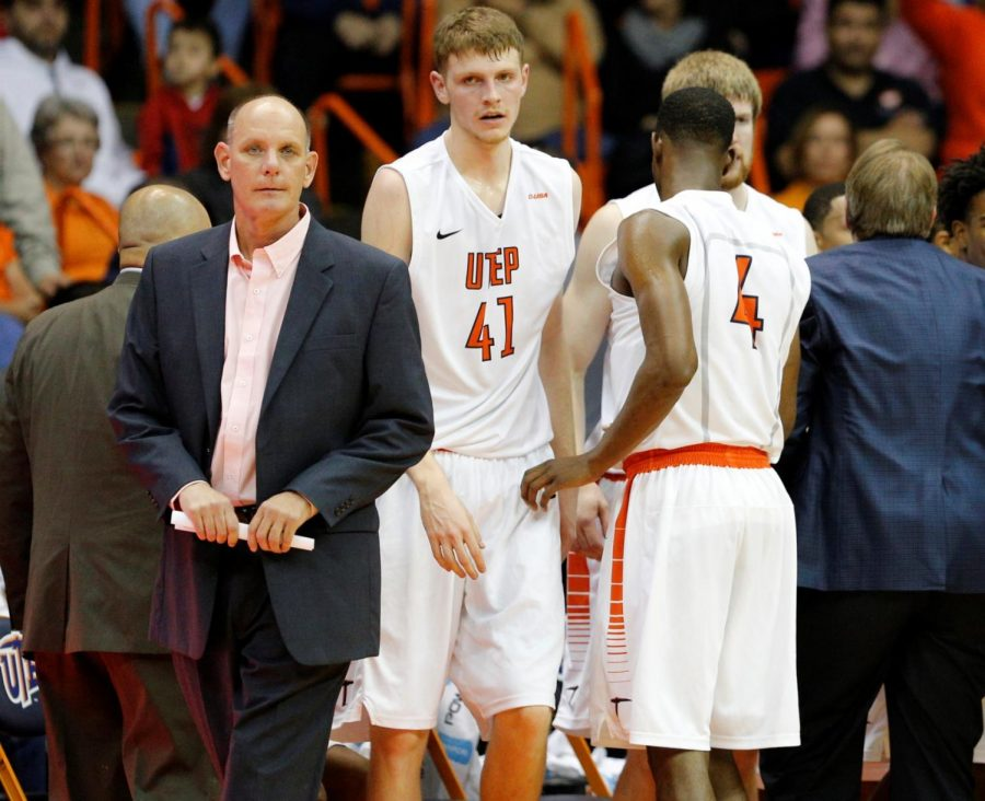 Phil Johnson named interim head coach of men's basketball