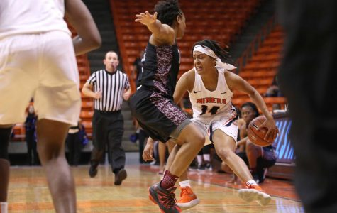 Women's basketball grinds past Texas Southern 65-55