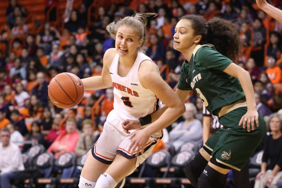 Zuzanna+Puc+set+a+new+career-high+with+27+points+against+FIU+on+Thursday%2C+March+1+at+the+Don+Haskins+Center.+