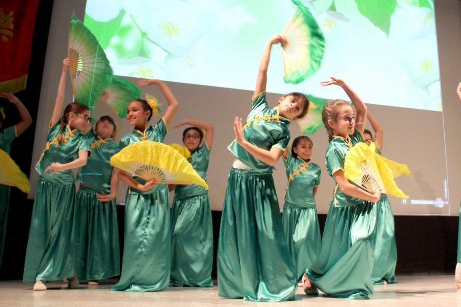 "Performance of the ""Jasmine Flower Dance"" by 3rd graders of Mesita Elementary School (EPISD)."
