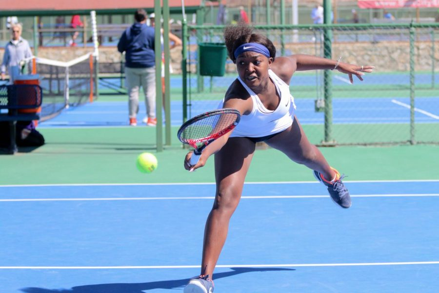 Junior Raven Bennett was defeated by Tareltons Alicia Barbaroux 6-4 and 6-1.