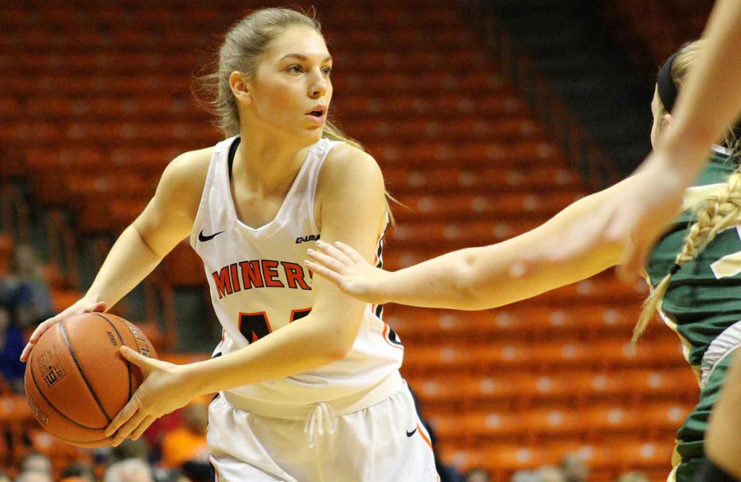 Katarina Zec looks to pass the ball to a teammate against UAB on Friday night at the Don Haskins Center.