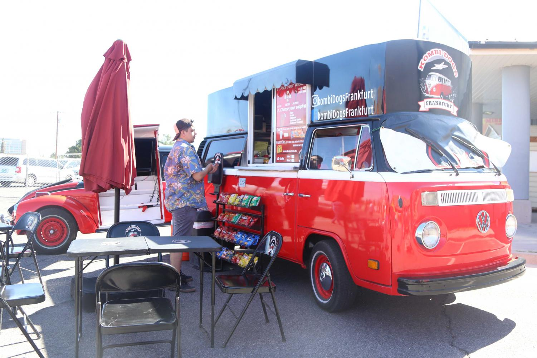 Kombi+Dog+Frankfurt+food+trucks+at+ElBugO+in+ElPasO+on+Sunday%2C+April+8+at+the+County+Coliseum.