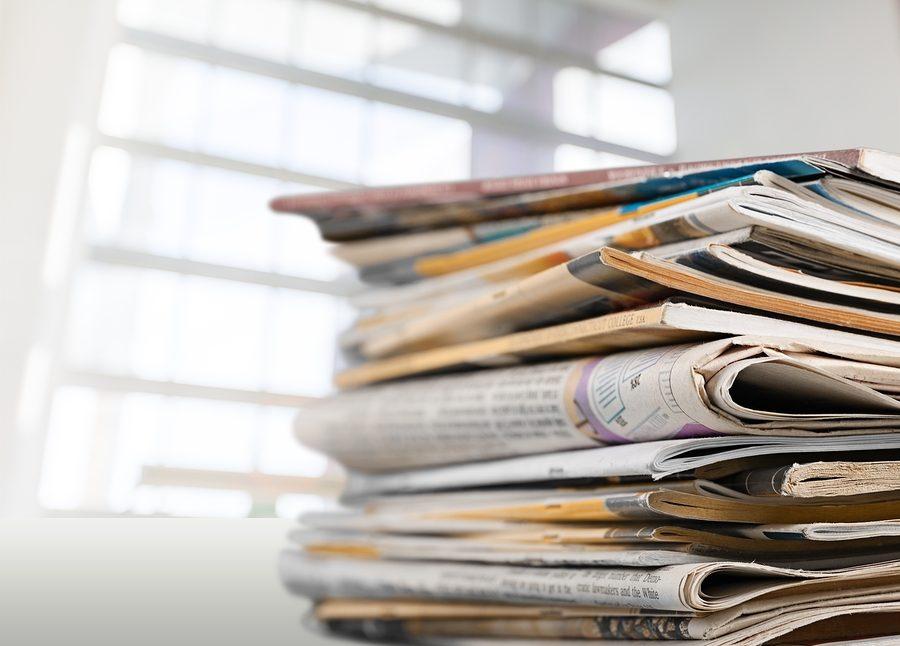 Paper+news+print+pile+newspapers+print+media+pile+of+newspapers