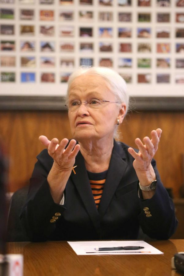 President Natalicio addresses the media in accordance with the news of her retirement on Tuesday, May 22 at the President's Office.