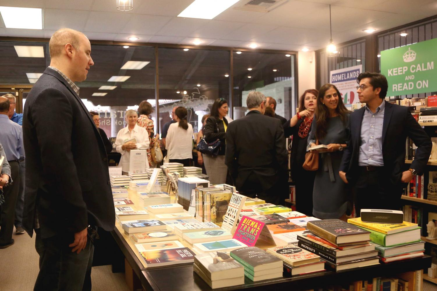 Literarity+Book+Shop+held+a+book+signing+for+Alfredo+Corchado%27s+new+book+%22HOMELANDS%3A+Four+Friends%2C+Two+Countries%2C+and+the+Fate+of+the+Great+Mexican-American+Migration%22+on+Wednesday%2C+June+6.