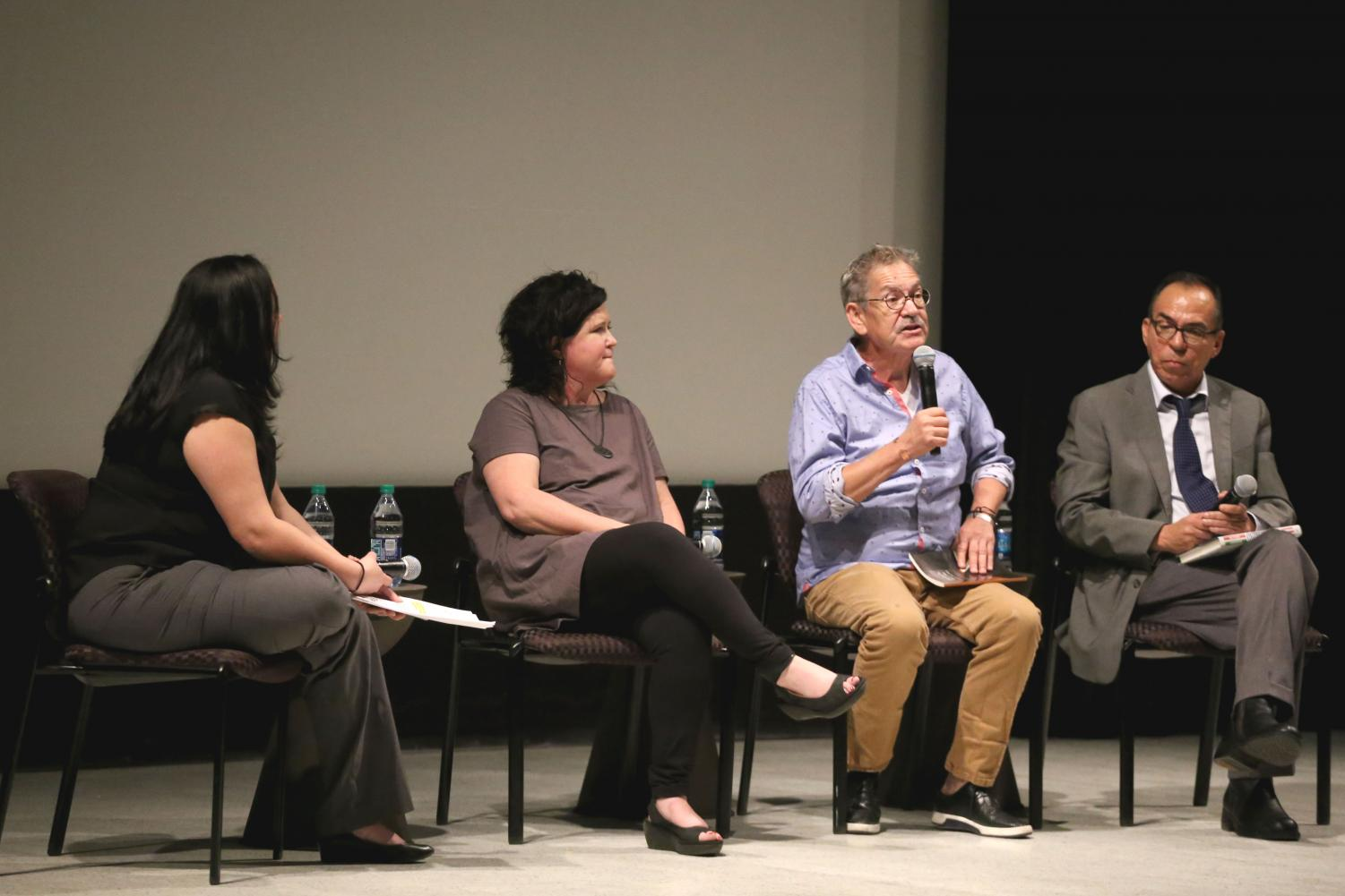 The+El+Paso+Times+Live+held+a+panel%2C+where+they+examined+the+U.S.+and+Mexico+border+on+Thursday%2C+June+7+at+the+UTEP+Union+Cinema%2C+with+Mexico+border+correspondent+for+the+Dallas+Morning+News+Alfredo+Corchado%2C+Director+of+the+Rubin+Center+Kerry+Doyle%2C+author+Benjamin+Saenz+and+El+Paso+Times+Editor+Zahira+Torres.