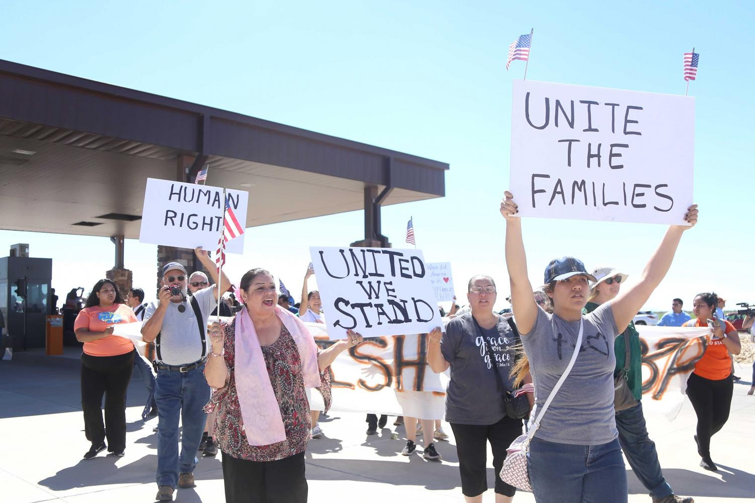 Hundreds+march+to+demand+an+end+to+family+separation+at+the+border