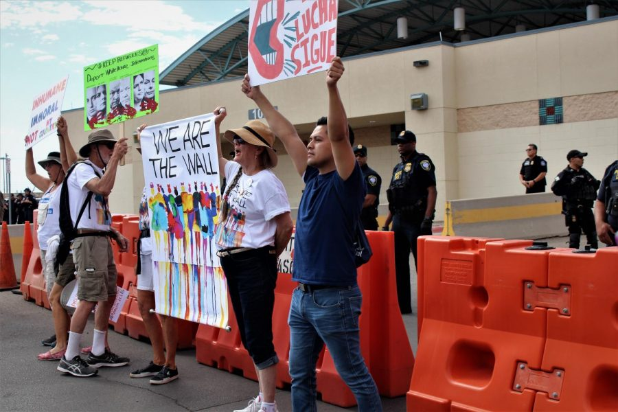 Hundreds+protest+in+Downtown+El+Paso+Saturday%2C+June+30.