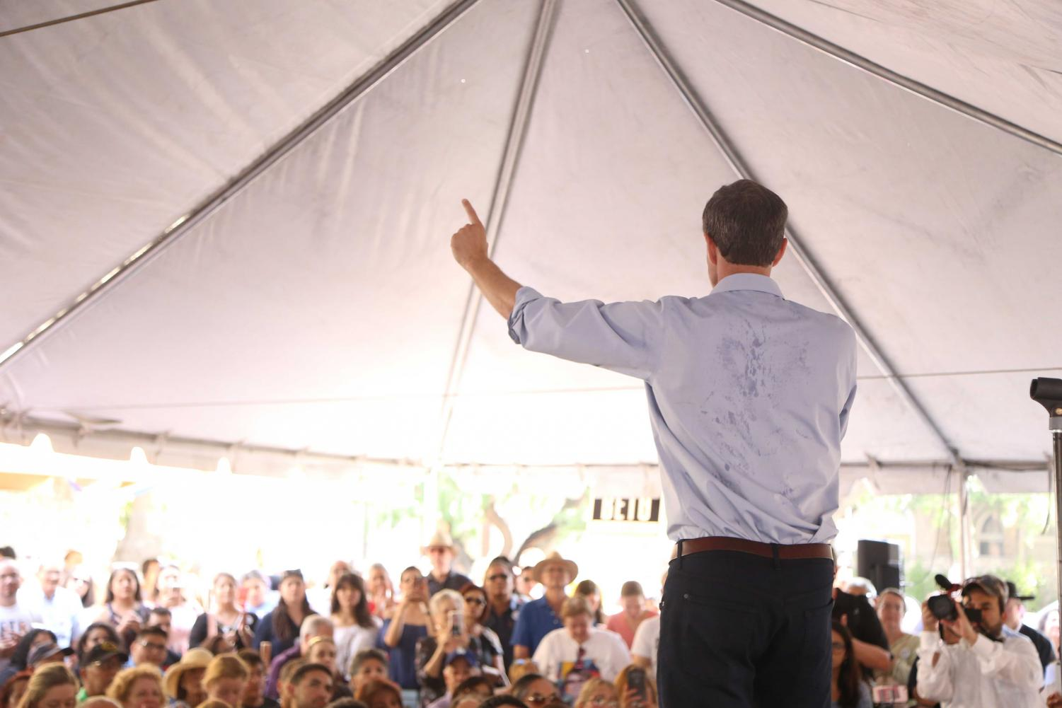 Congressmen+Beto%27Rourke+addresses+the+crowd+at+his+Mariachi+and+menudo+breakfast+rally%2C+on+Sunday%2C+June+29.+