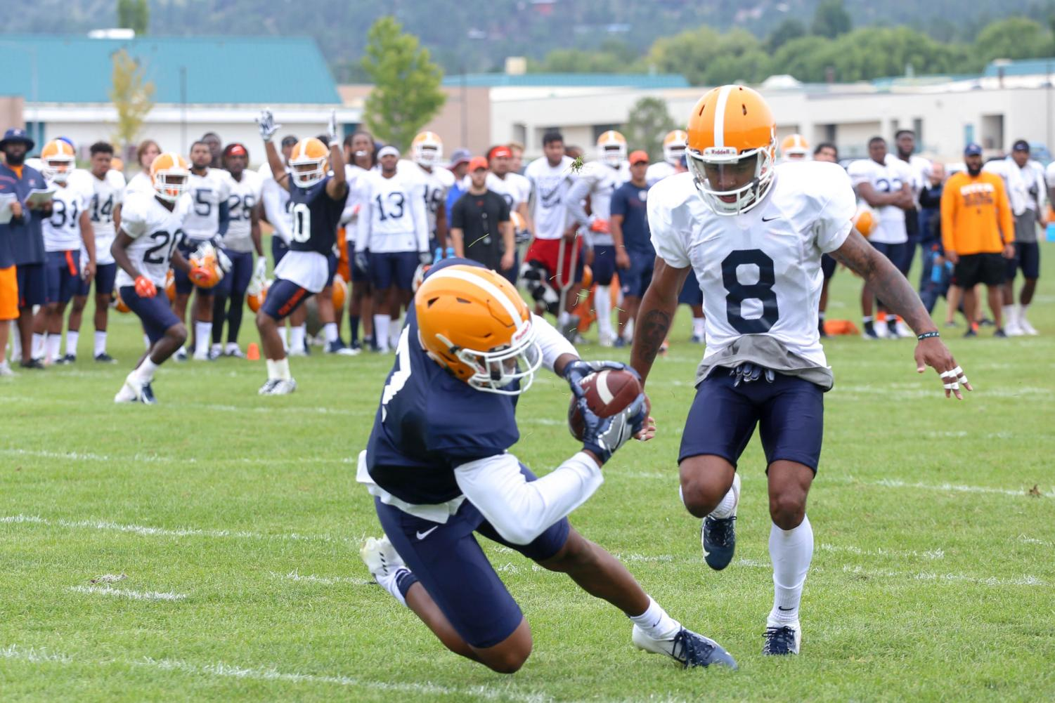Wide+receiver+Kavika+Johnson+makes+the+diving+catch+at+Camp+Ruidoso%2C+on+Friday+Aug.+10.+