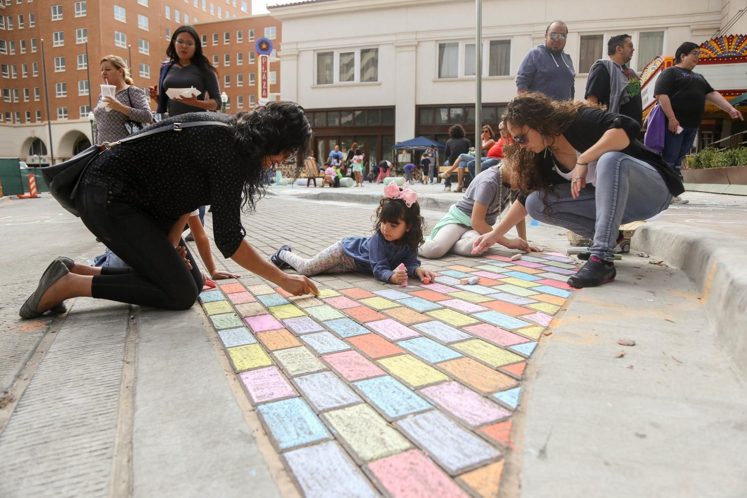 The+community+show+off+their+drawings+skills+n+the+sidewalk+of+Down+Town+El+Paso+at+the+annual+Chalk+the+Block+on+Saturday%2C+Oct.+13.+