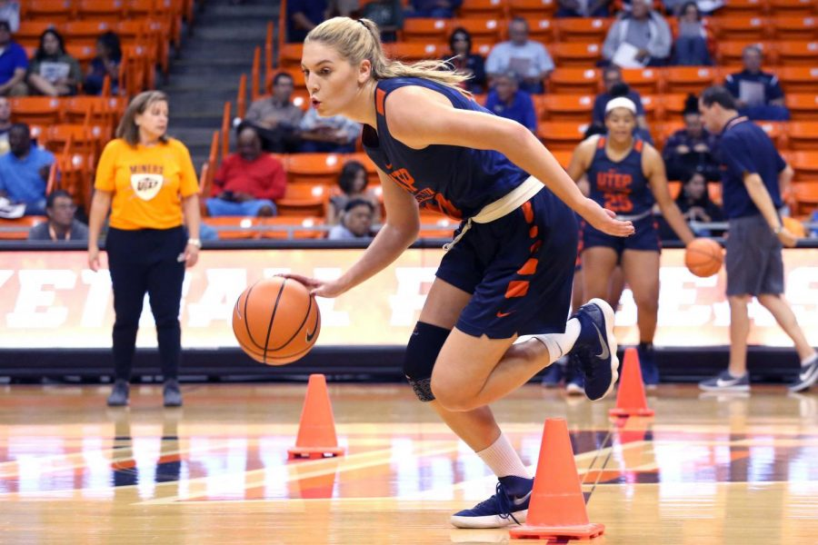 Junior+guard+Katarina+Zec+works+on+dribbling+drills+during+the+basketball+pre+season+showcase+at+the+Don+Haskins+Center+on+Wednesday%2C+Oct.+10.+