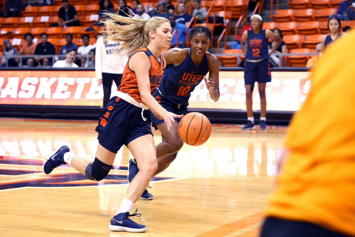 Junior+guard+Katarina+Zec++and+junior+guard%2Fforward+Jade+Rochelle+work+on+one+on+one+drills++during+the+basketball+pre+season+showcase+at+the+Don+Haskins+Center+on+Wednesday%2C+Oct.+10.+