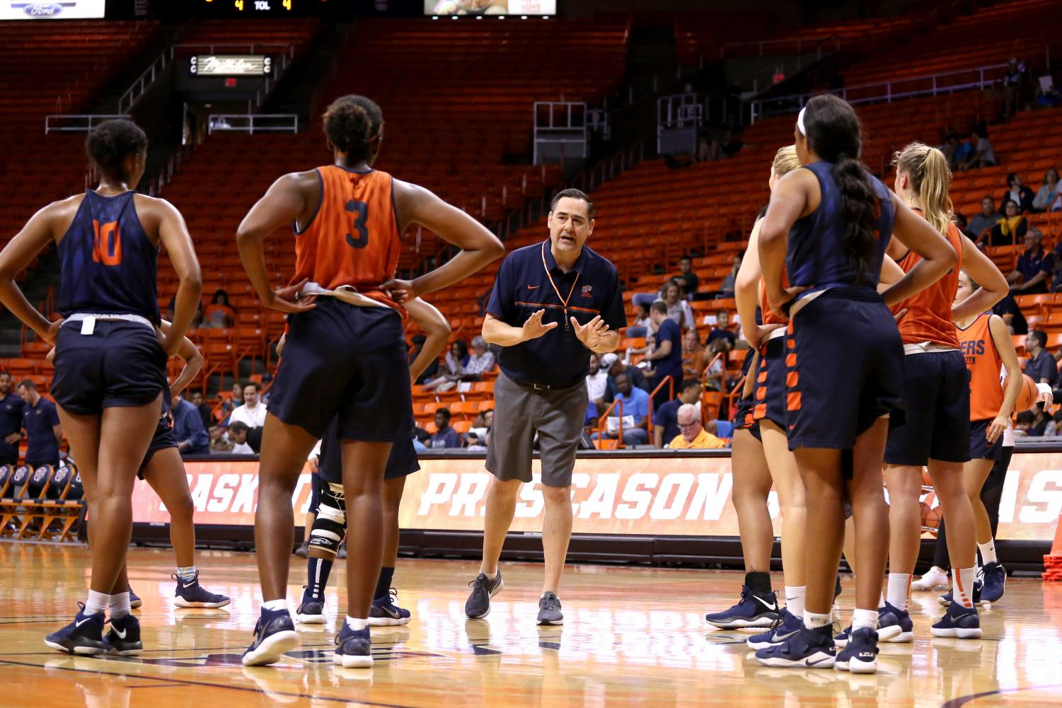 Women%27s+basketball+Head+Coach+Kevin+Baker+gives+his+team+instructions+on+the+next+drill++during+the+basketball+pre+season+showcase+at+the+Don+Haskins+Center+on+Wednesday%2C+Oct.+10.+