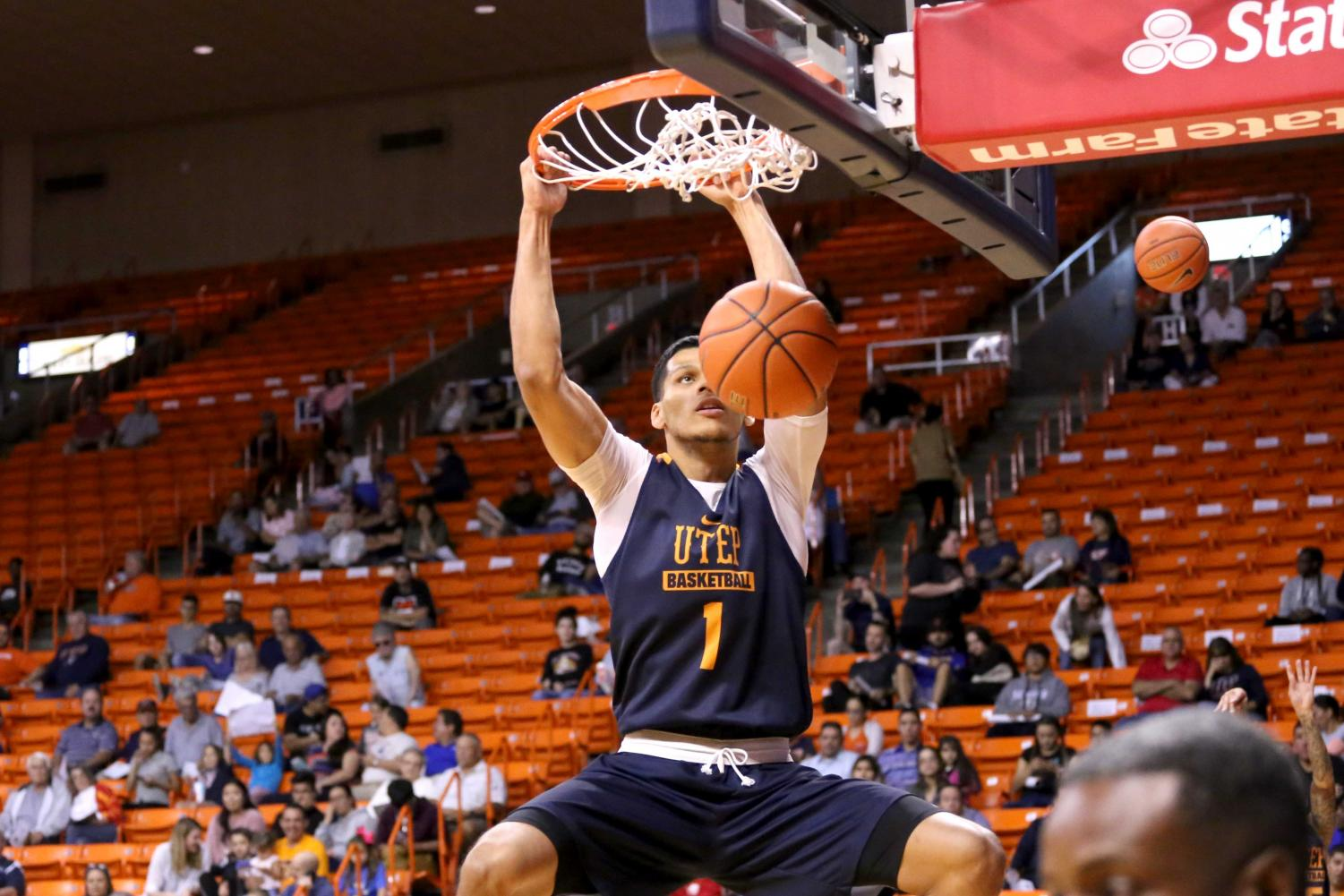 Senior+forward+Paul+Thomas+dunks+the+ball++into+the+basket+during+the+basketball+pre+season+showcase+at+the+Don+Haskins+Center+on+Wednesday%2C+Oct.+10.+