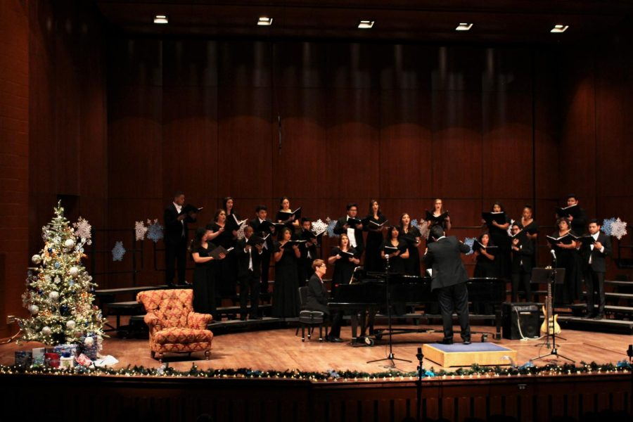 UTEP+Choir+at+Holiday+Revels+2018+at+Fox+Fine+Arts+Recital+Hall+on+Monday+Nov.+19th+and+20th.