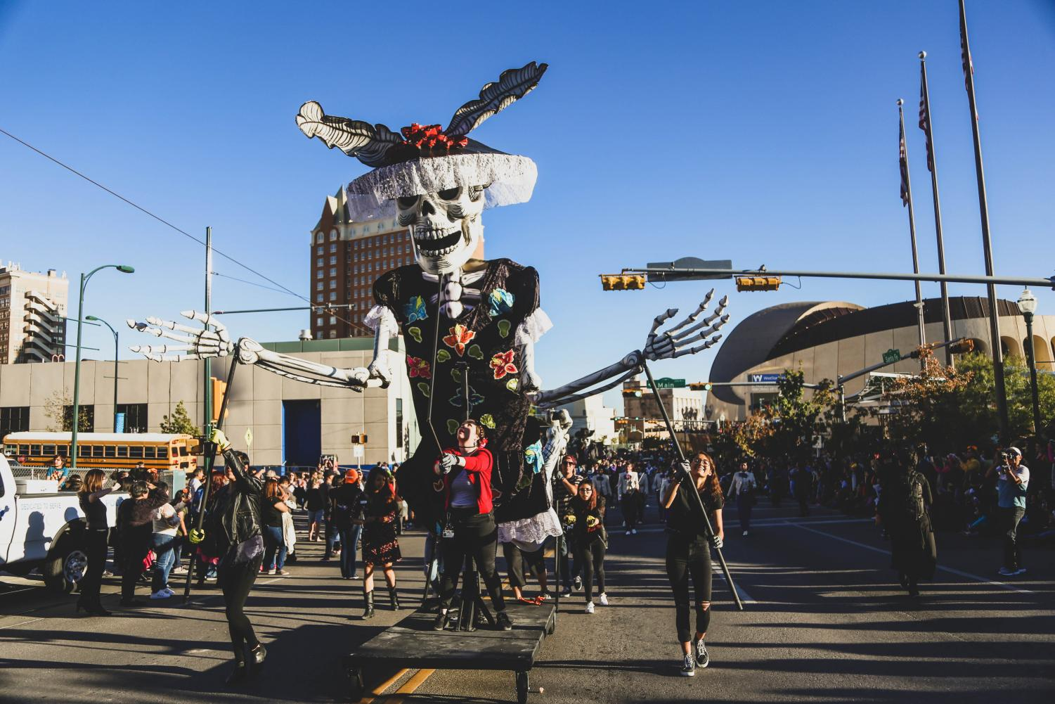Marionettes+by+the+artist+collective+from+Mexico+City%2C+Colectivo+Ultima+Hora+are+featured+in+the+first+annual%C2%A0Noche+de+Calaveras+Parade+hosted+by+the+El+Paso+Museum+of+Art.+