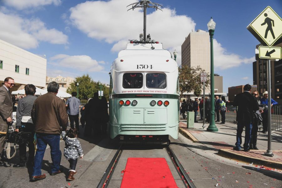 UTEP+students+react+to+Streetcar+opening