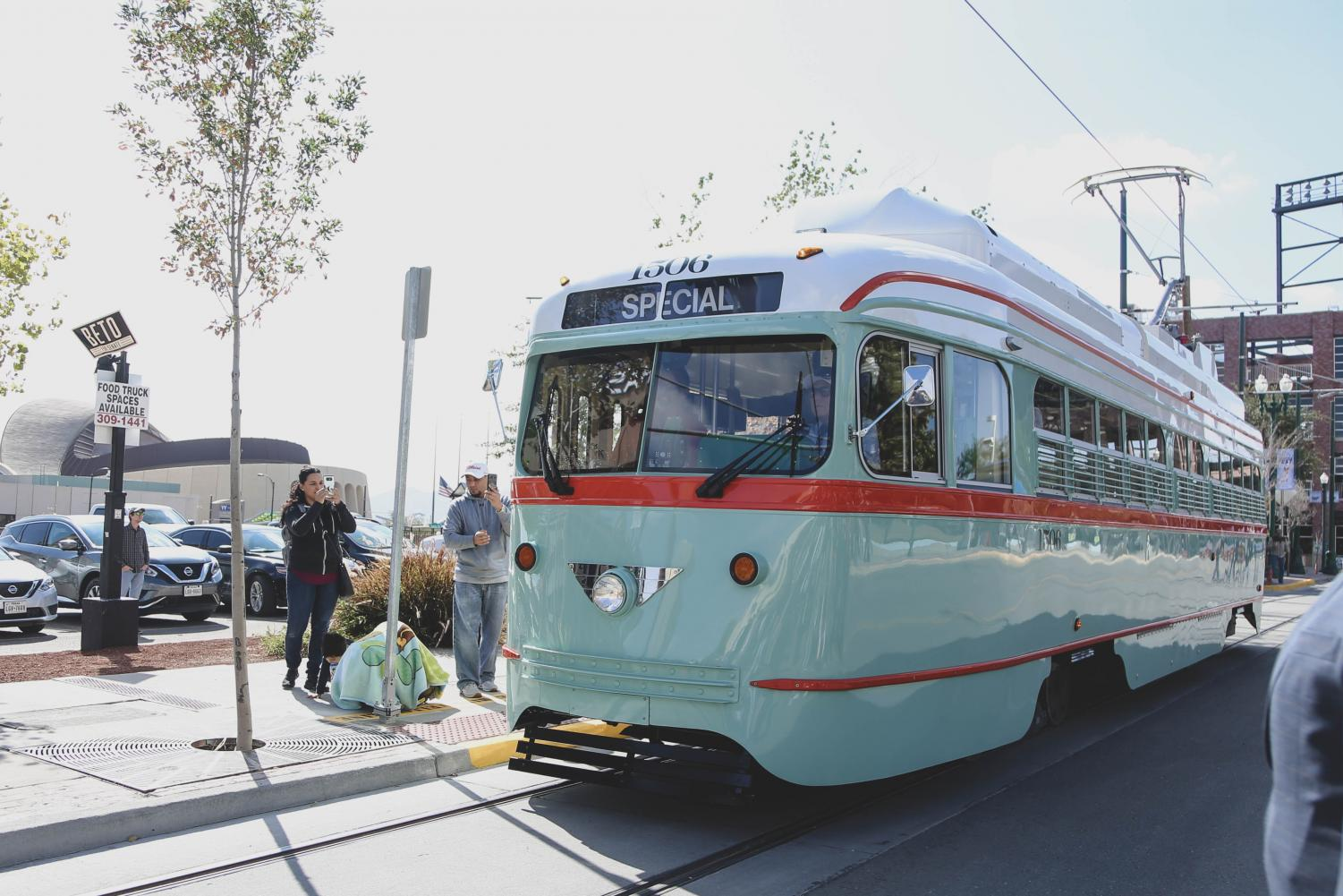 The+first+streetcar+is+introduced+at++the+street+car+inauguration+on+Friday+morning%2C+Nov.+9.+