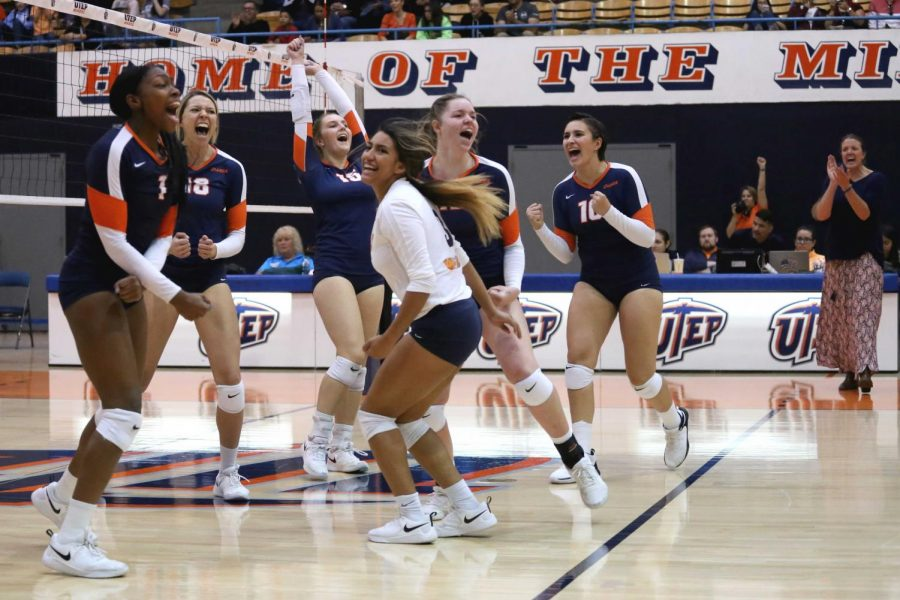 UTEP+Volleyball+sends+out+seniors+with+a+w+on+%22Senior+Day%22