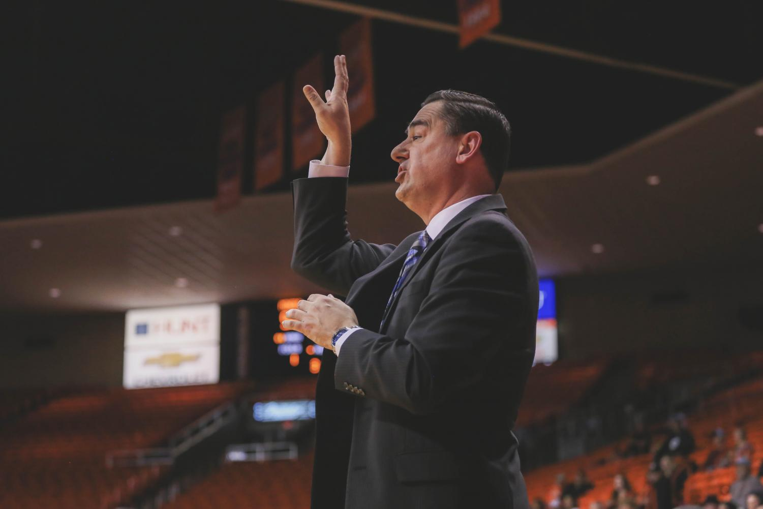Head+Coach+Kevin+Baker+tells+his+team+to+shoot+during+the+free+throws+at+a+game+against+the+NMSU+Aggies+on+Saturday%2C+Nov.+17.+