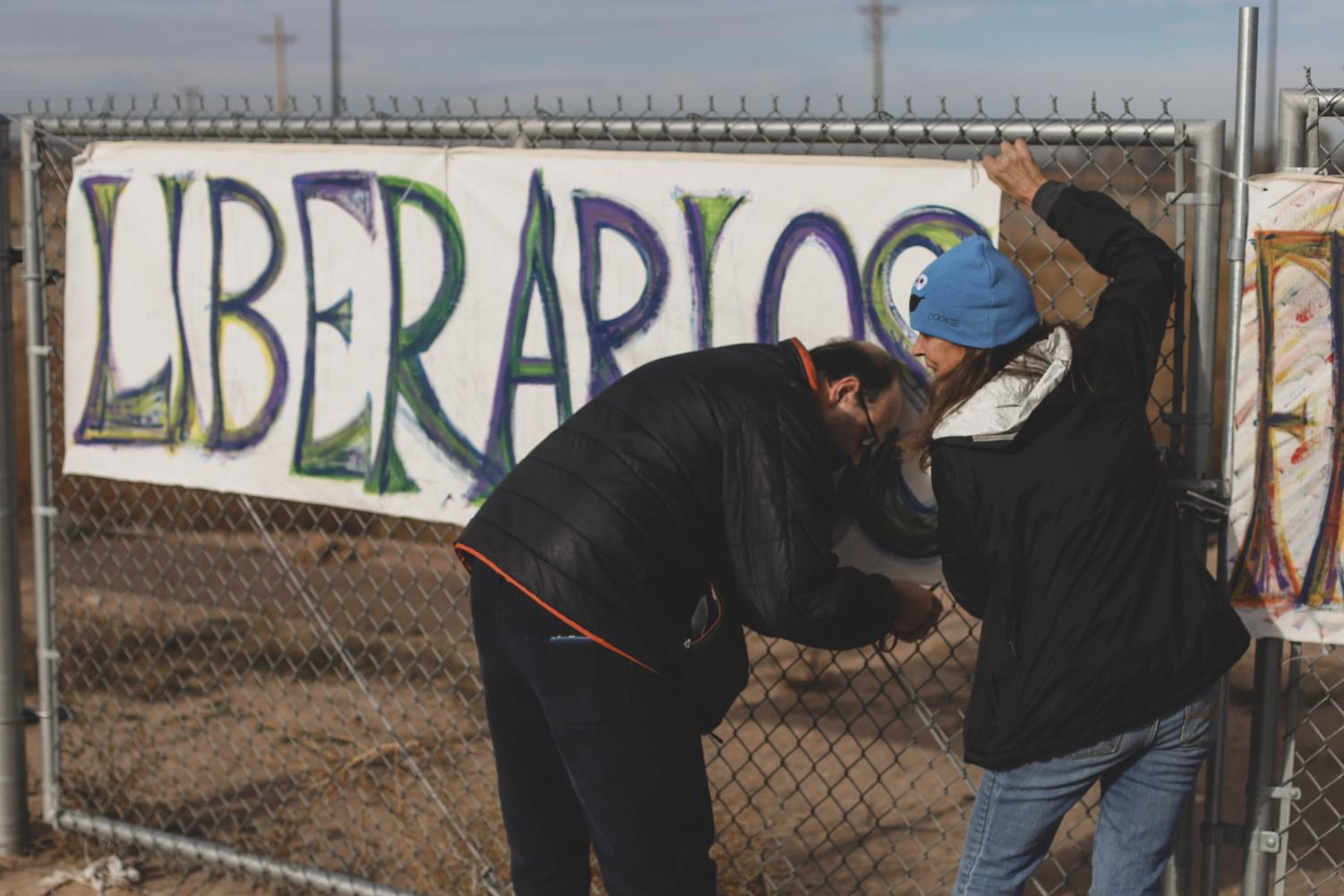 Signs+are+put+up+on+the+fence+to+show+the+kids+support+from+the+community.+