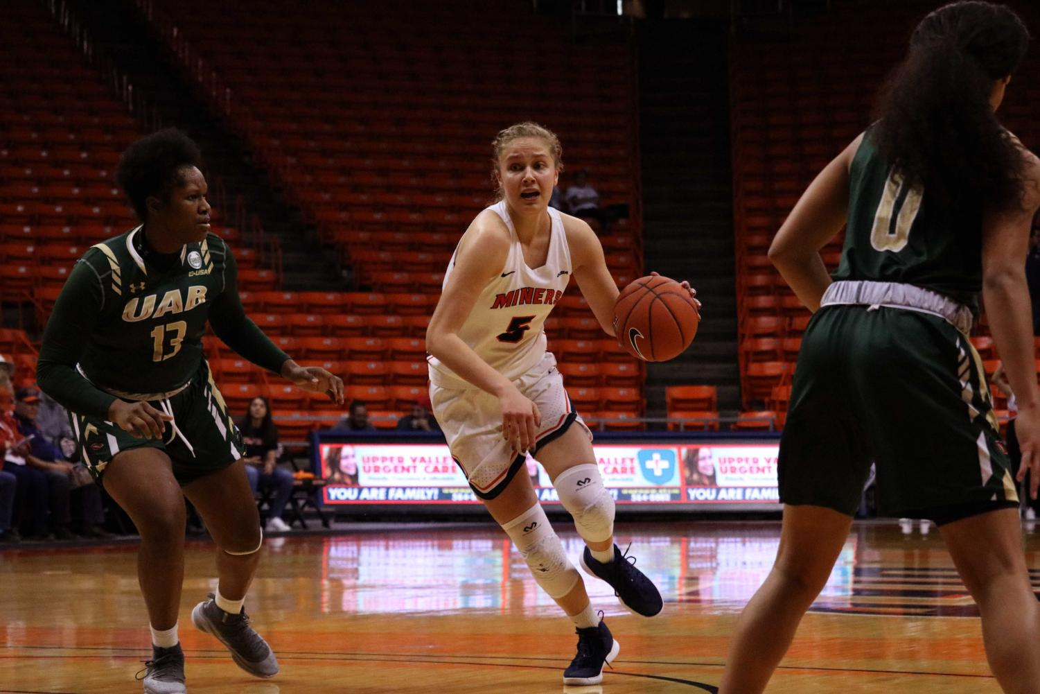 Zuzanna Puc finished with a double-double scoring 11 points and a career-high 13 rebounds.