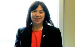 Eva Moya: A social worker changes her commuity