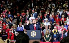 """President Trump's """"Finish the Wall"""" rally and Beto O'Rourke's anti-border wall march"""