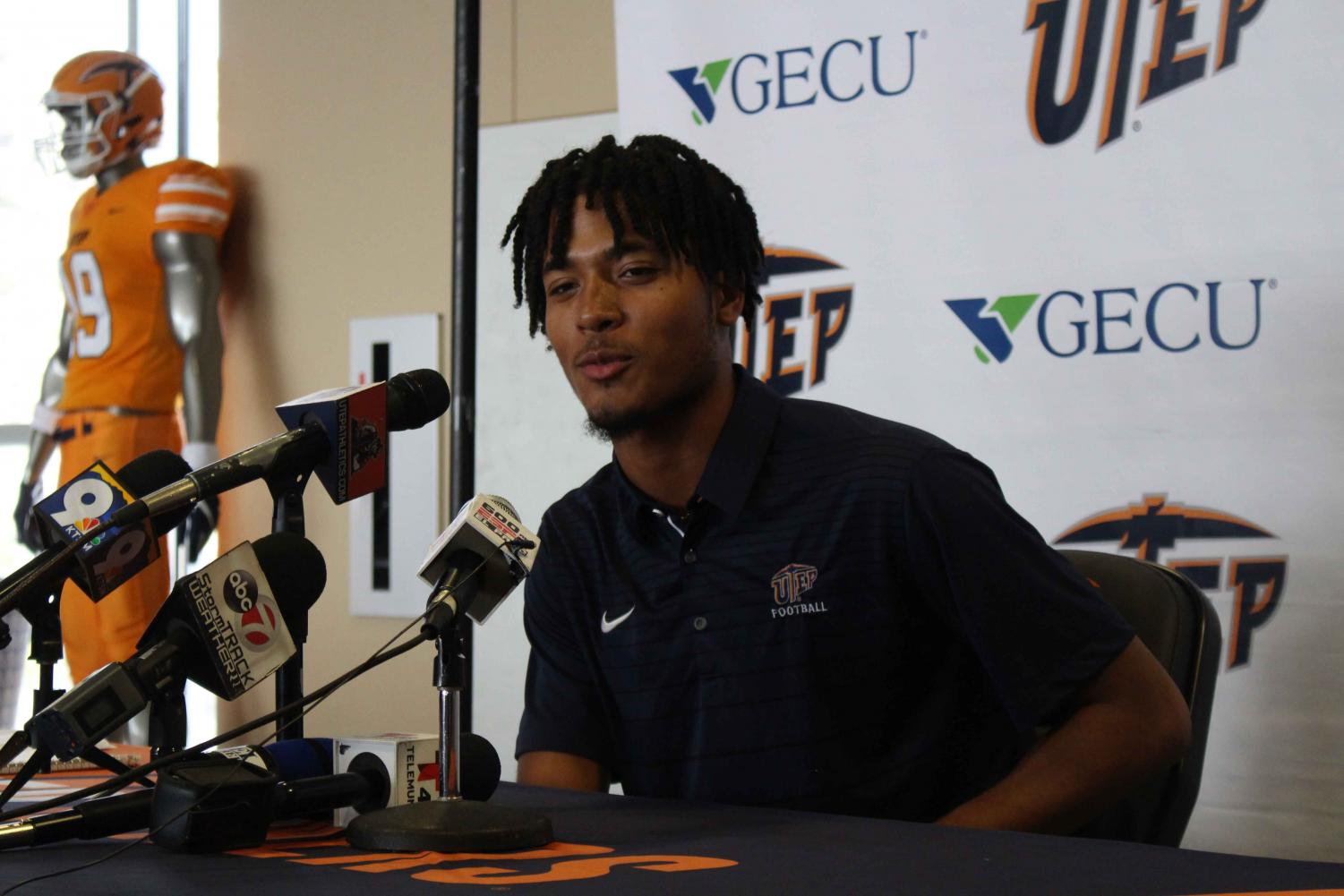 Freshman+quarterback+TJ+Goodwin+was+introduced+on+National+Signing+Day+as+part+of+the+2019+UTEP+football+recruiting+class.+