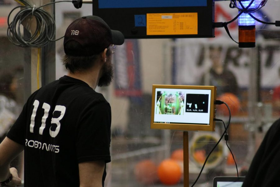 The College of Engineering was one of the main promoters of the First Robotics Competition District Event.