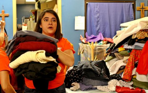 UTEP students collect warm clothing for asylum seekers waiting at international bridges