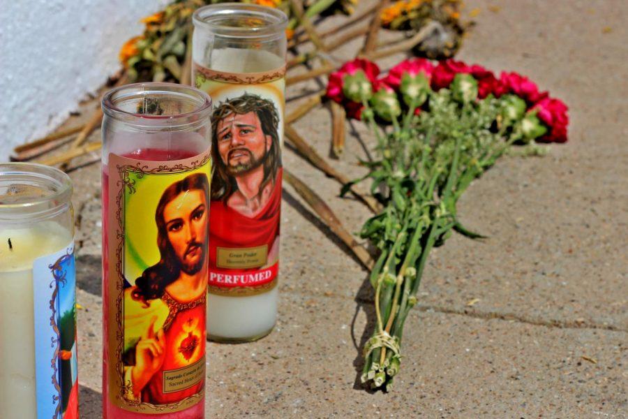 El+Pasoans+offer+condolences+on+Parkland+Father+mural.+