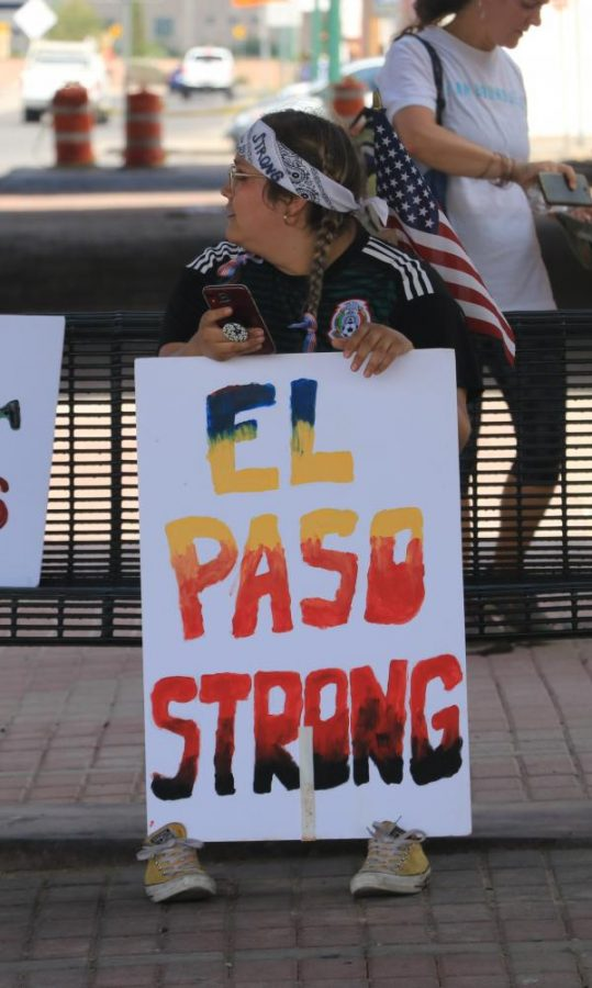 Citizens showed up to El Paso Strong event on Wednesday August 7th at Washington Park.
