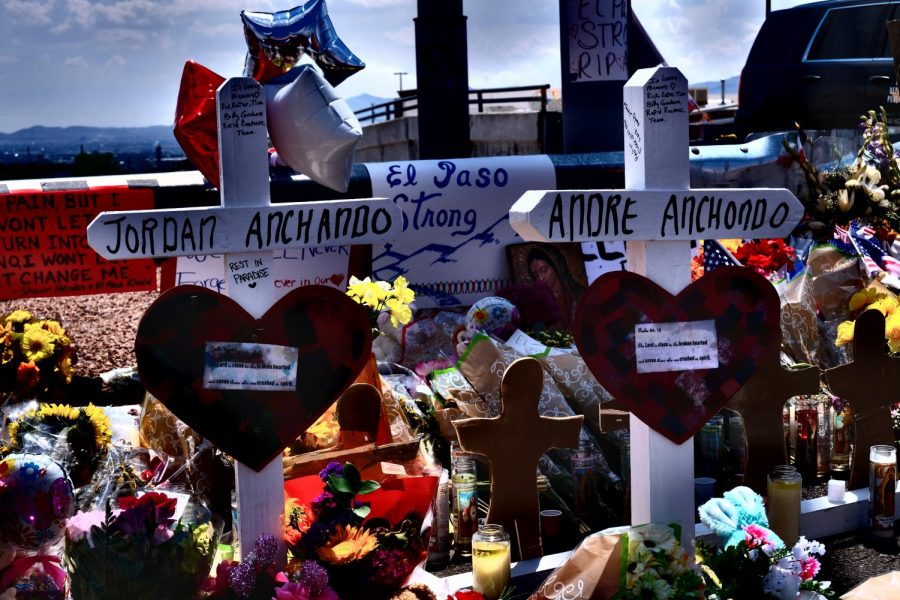 Memorials+for+the+victims+of+Saturday%27s+shooting+have+been+created+near+the+Cielo+Vista+Wal-Mart.+