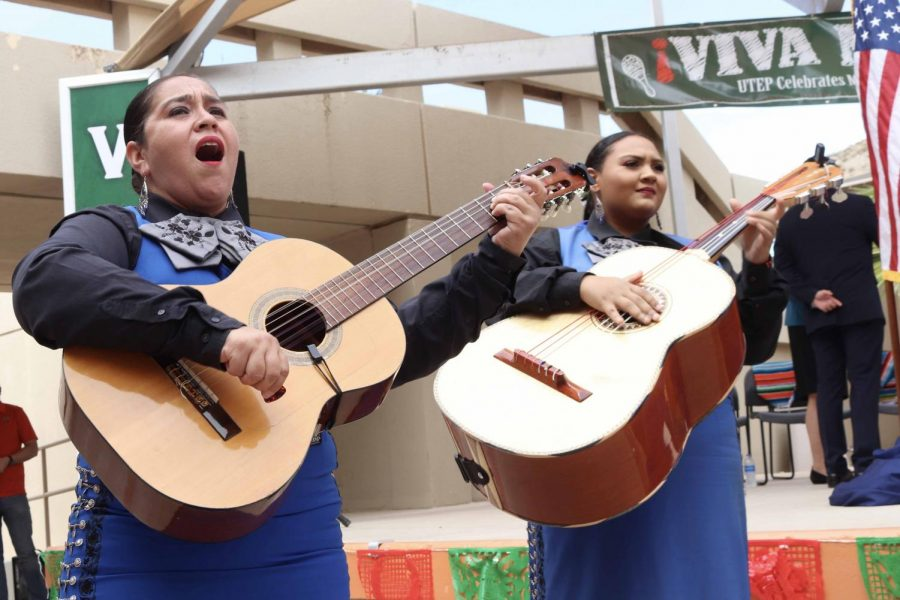 All+women+Mariachi+performs+at+%E2%80%9CEl+Grito%E2%80%9D+at+the+Union+Plaza+on+Sept.+13%2C+2019