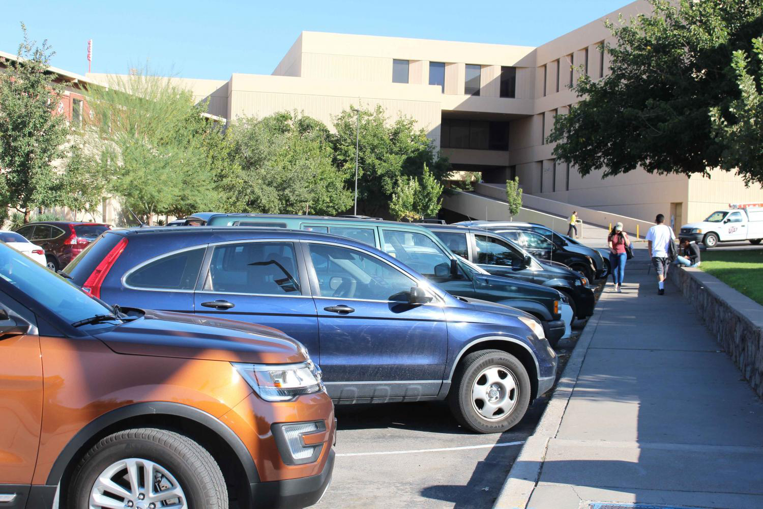 UTEP students continue to struggle finding parking on campus.  Claudia Hernandez