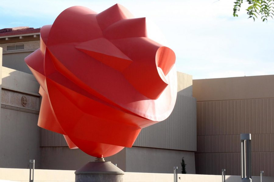 Acclaimed+Mexican+sculptor+Sebastia%CC%81n+created+a+piece+designed+especially+for+UTEP+titled+Esfera+Cua%CC%81ntica+Tlahtolli.