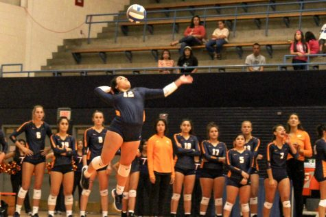 Miners get edged out by Texas Tech in third-set thriller